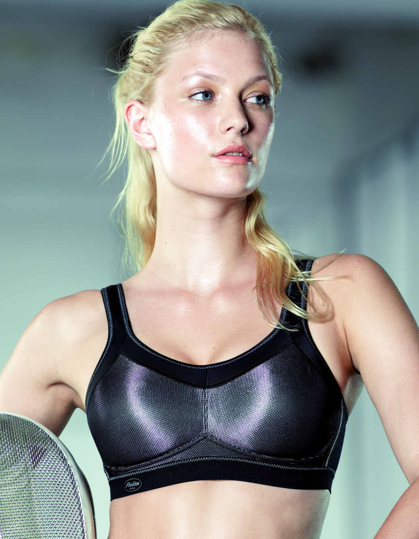 the best sports bras for rowing girl on the river. Black Bedroom Furniture Sets. Home Design Ideas